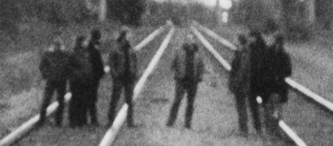 "Godspeed You! Black Emperor Anunciam Álbum Novo, ""G_d's Pee AT STATE'S END!"""