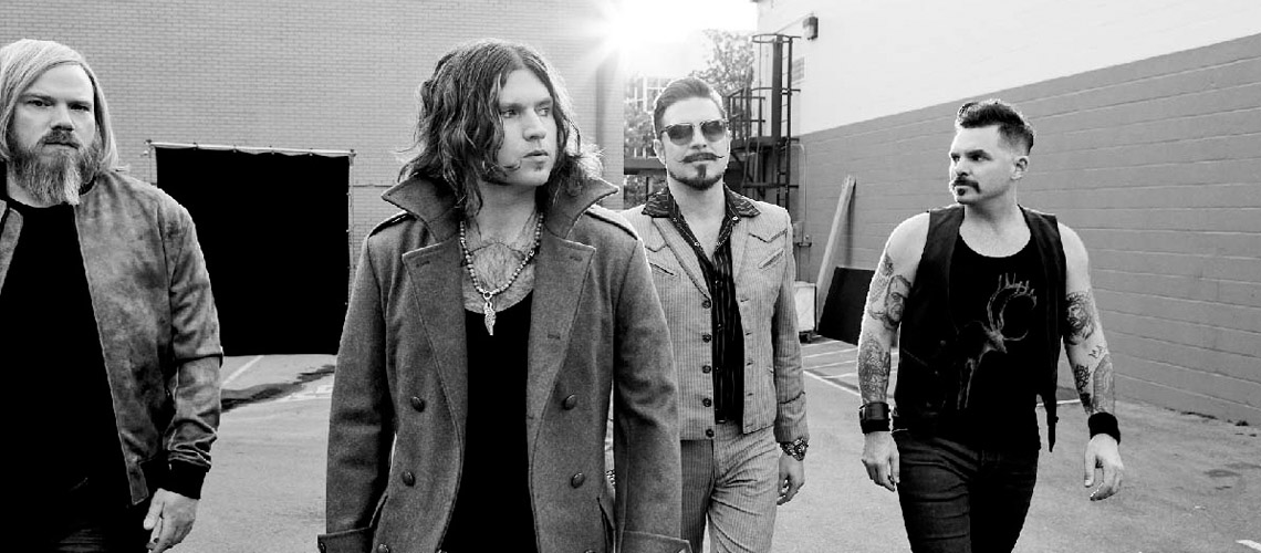 "Rival Sons divulgam vídeo para a faixa ""Sugar On The Bone"""