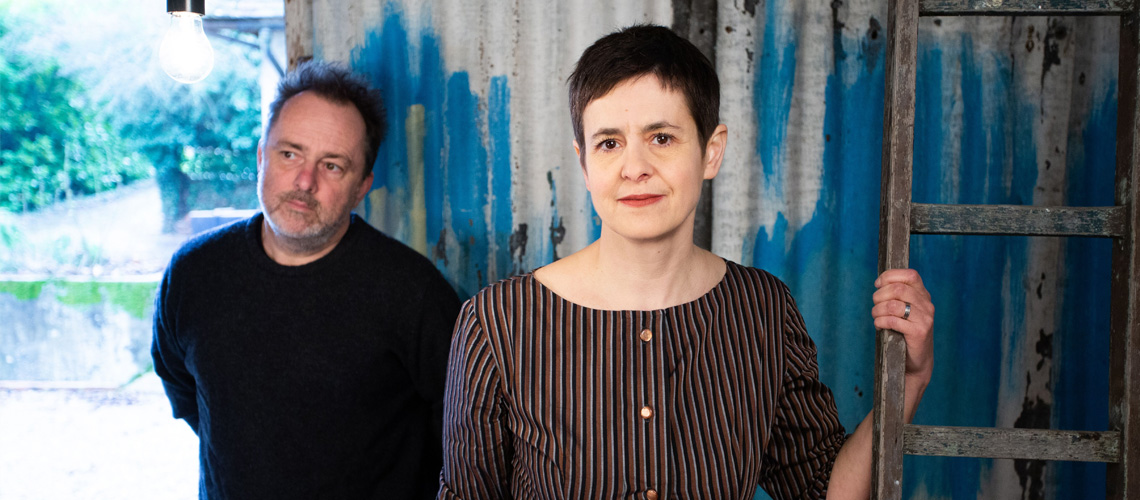 "The Catenary Wires editam novo álbum, ""Til The Morning"""