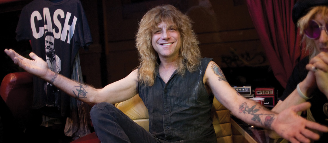 Steven Adler (ex- baterista dos Guns N' Roses) foi internado