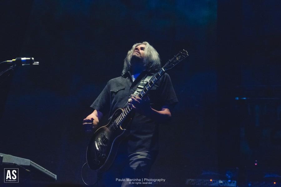 Gibson Vai Estrear Guitarra de Assinatura de Adam Jones