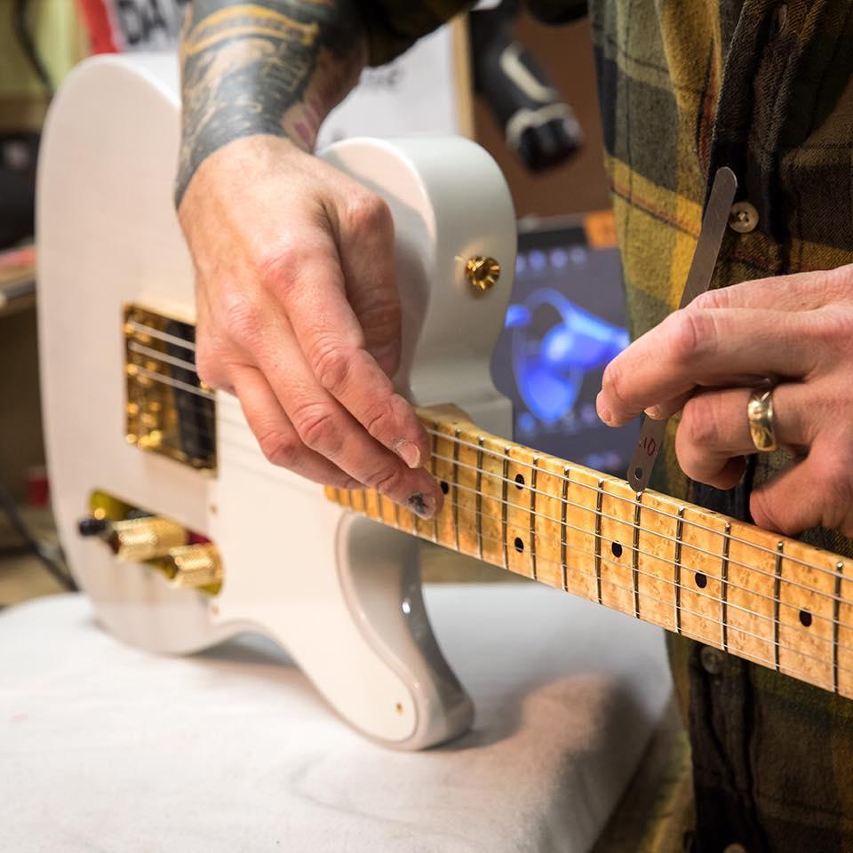 Guitarras, Brexit e a Celeuma Fronteiriça entre EUA e México