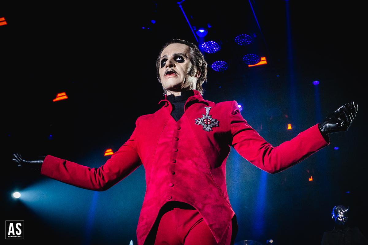 Fãs de Ghost, de Cardinal Copia e dos Nameless Ghouls de barriga cheia depois do concerto em Lisboa