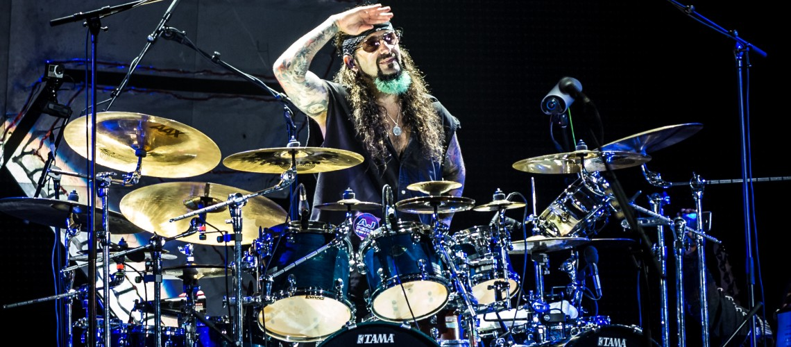 Mike Portnoy Bomba Clássicos dos Rush num Kit Infantil