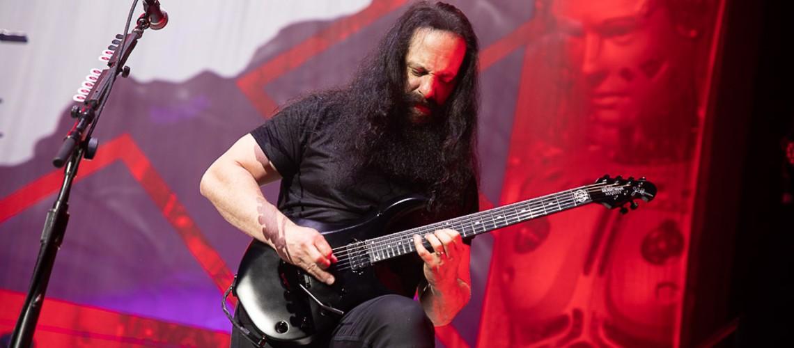 Dream Theater, Um Enorme Coração Sem Alma