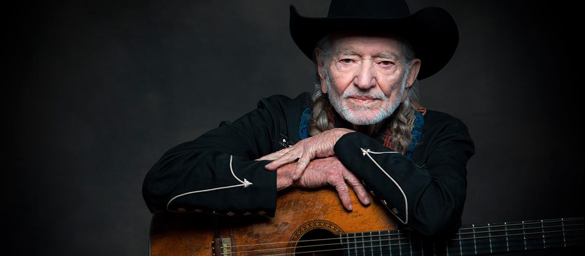 """Willie Nelson anuncia a edição de um novo álbum, """"First Rose of Spring"""""""