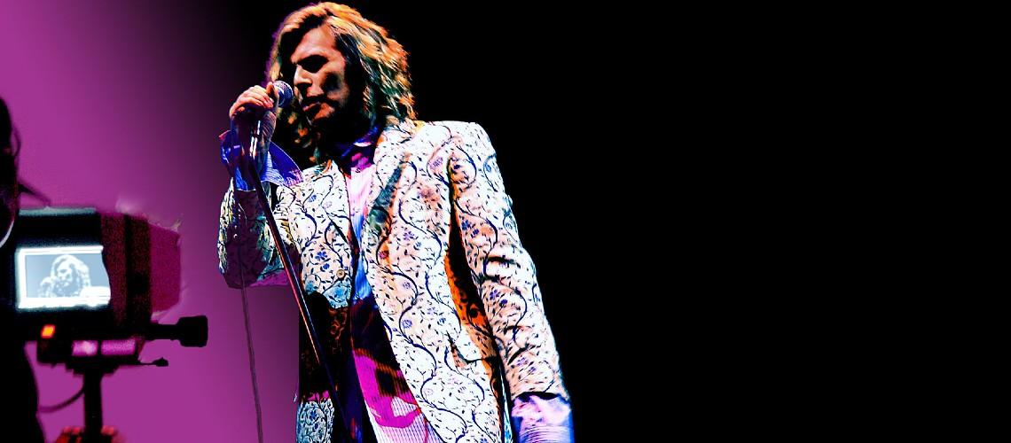 David Bowie, BBC Transmite Concerto em Glastonbury 2000