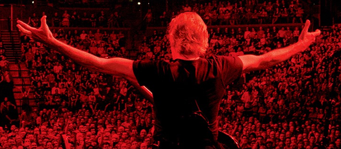 """ROGER WATERS: US + THEM"" será editado em Blu-ray, DVD, CD e Vinil"