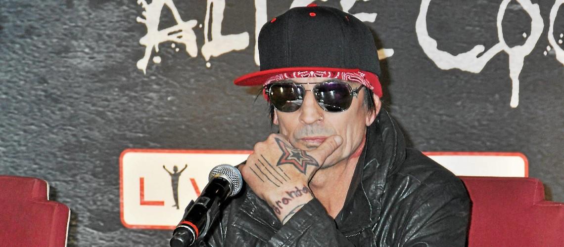 Tommy Lee [Mötley Crüe] Estreia Dois Singles [Vídeo]