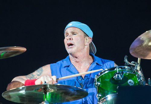 Livestream: Drum Festival reúne mais de 20 bateristas em homenagem a Neil Peart