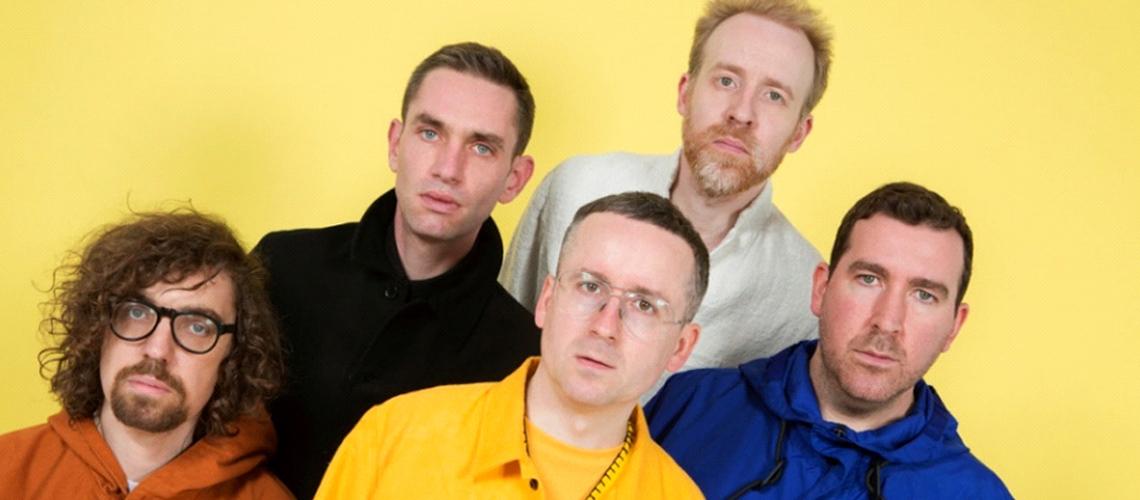 """""""Straight to the Morning"""" é a nova música de Hot Chip e Jarvis Cocker"""