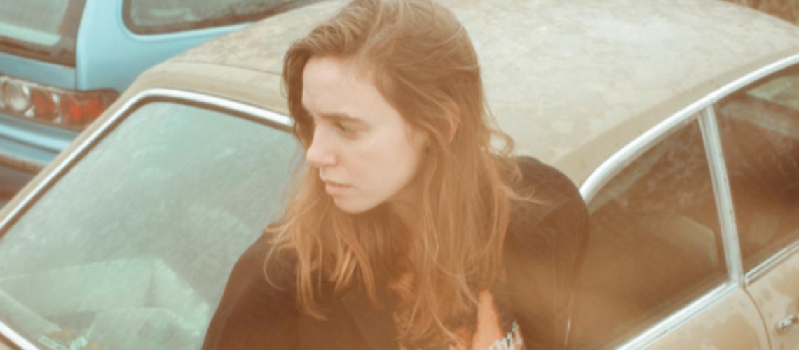 "Little Oblivions"" é o novo álbum de Julien Baker | Arte Sonora"