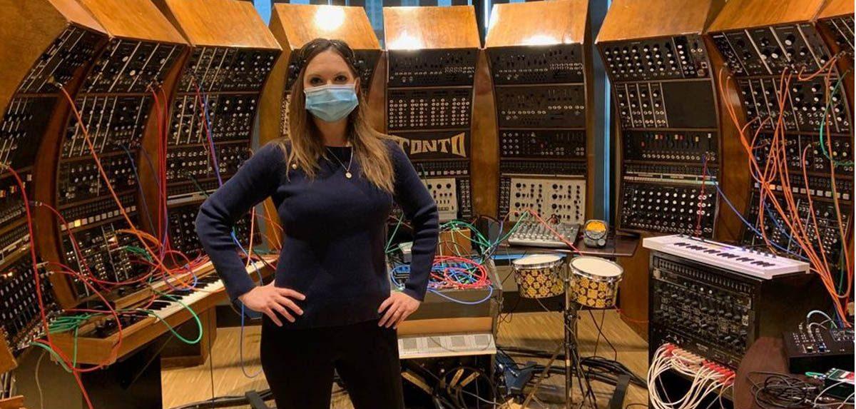 Artista Canadiana Compõe Música Usando Apenas Ondas Cerebrais