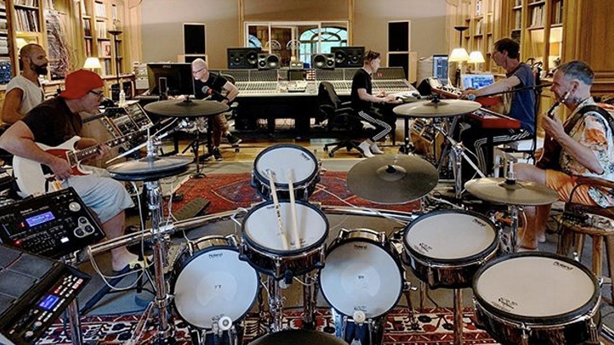 Rammstein Em Estúdio A Gravar Disco Novo