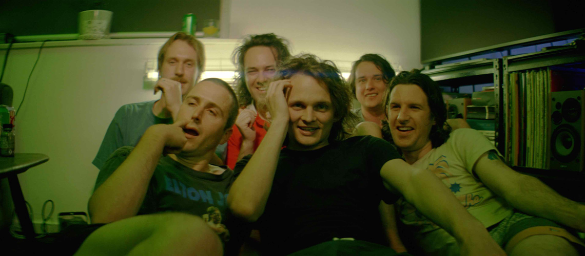 "King Gizzard And The Lizard Wizard Incentivam Fãs À… ""Pirataria"""