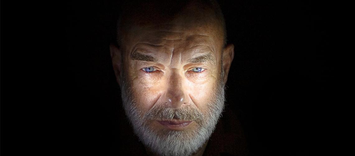 "Brian Eno divulga vídeo para ""Decline and Fall"""