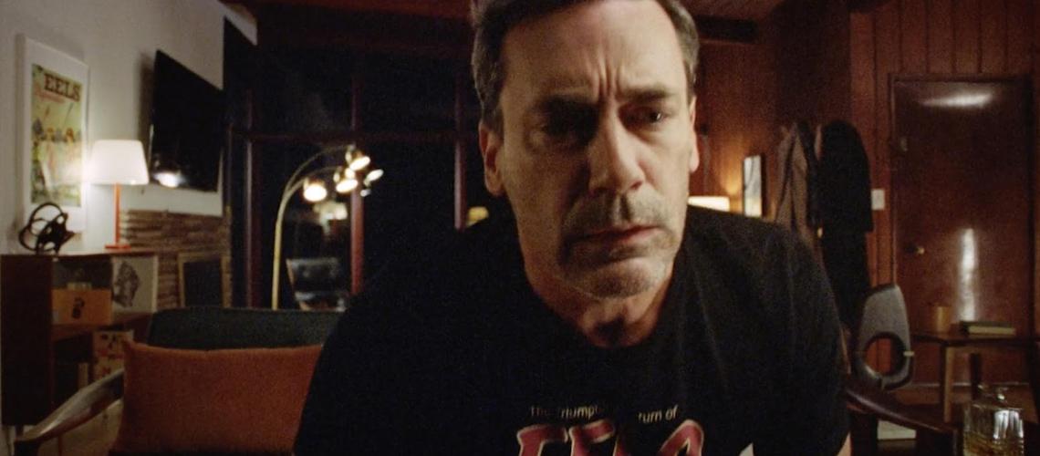 """Jon Hamm no novo vídeo de Eels, """"Are We Alright Again"""""""