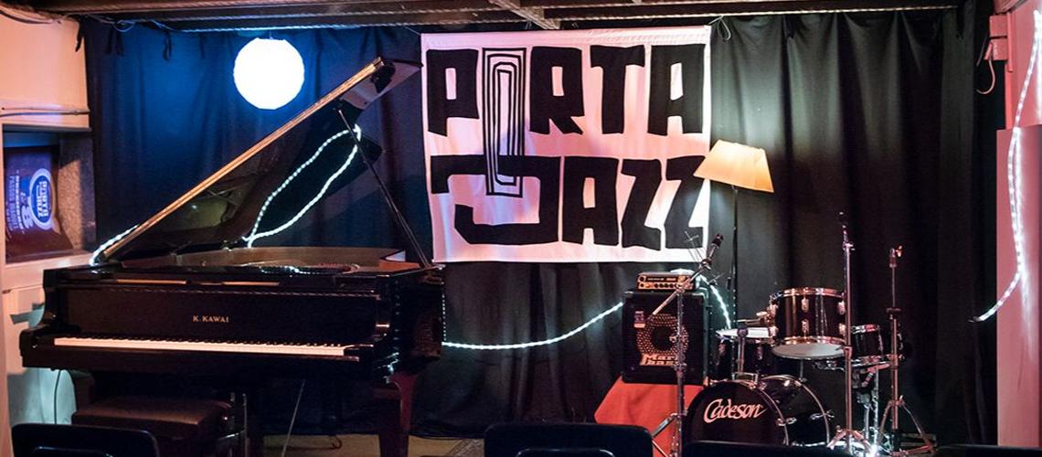 Maus Hábitos apresenta Jazz à Mesa