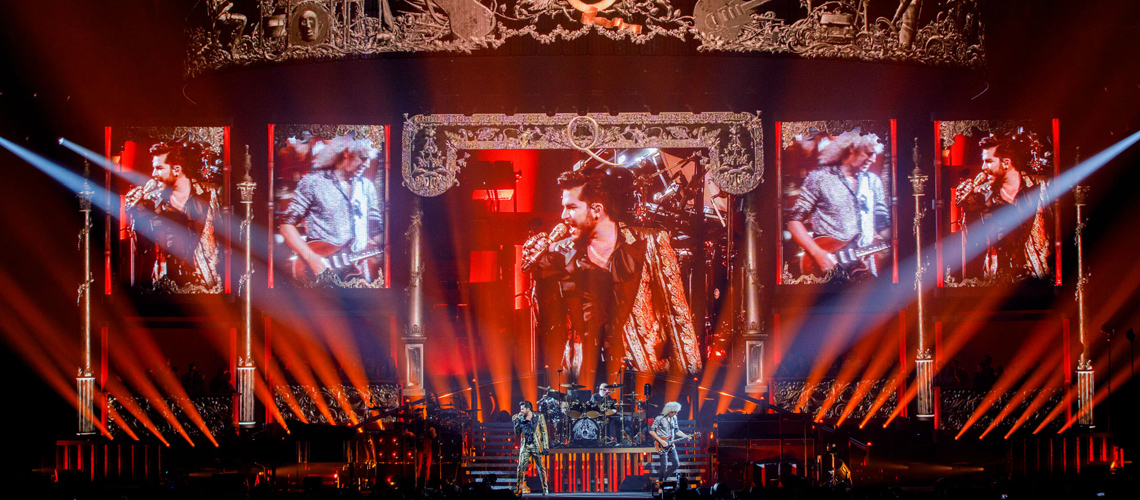 """Live Around the World"": Queen + Adam Lambert mostram vídeo ao vivo para ""Somebody to Love"""