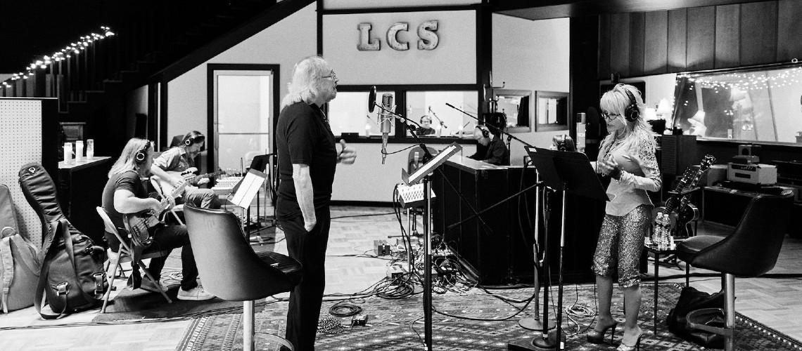"""Barry Gibb & Dolly Parton, Nova Versão do Clássico """"Words"""" dos Bee Gees"""
