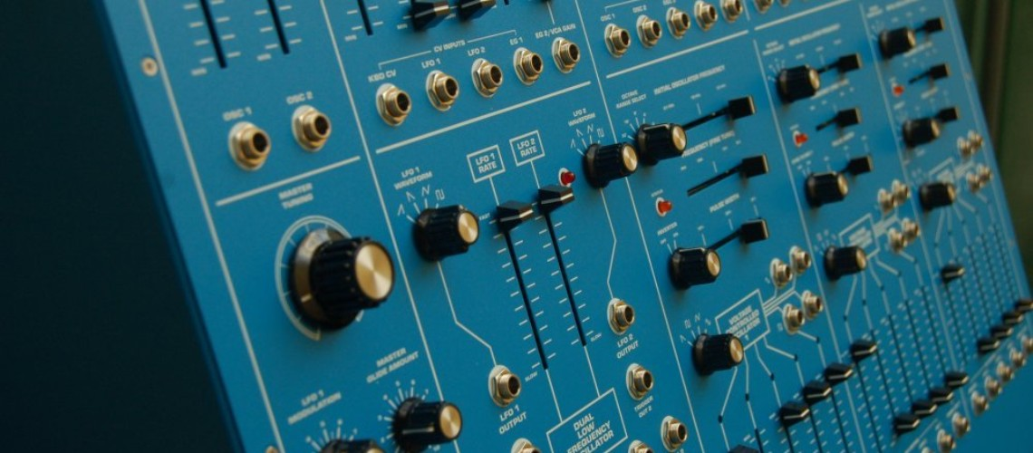 Behringer Blue Marvin & Gray Meanie