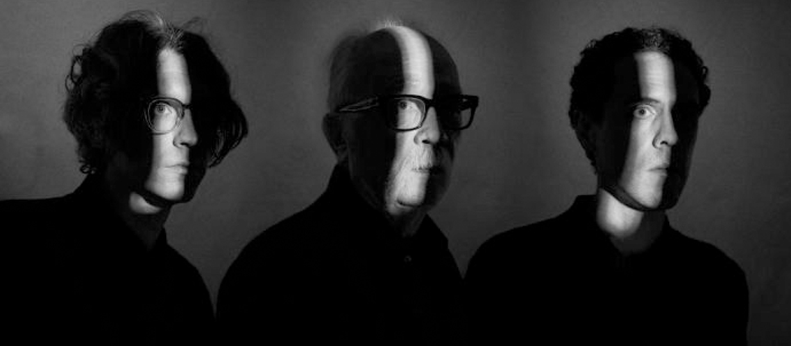 """Lost Themes III"": John Carpenter divulga novo single, ""Alive After Death"""
