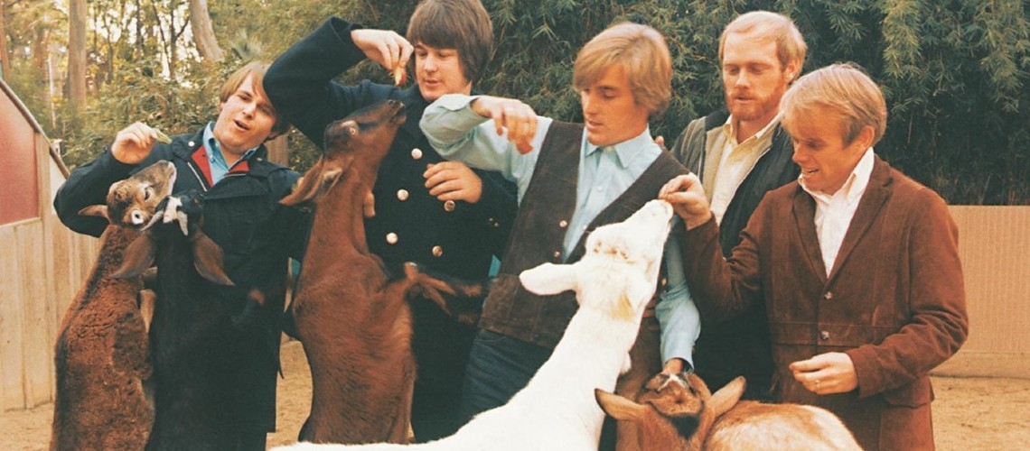 "Descobertas Filmagens Raras dos Beach Boys a Alimentar as Cabras de ""Pet Sounds"""