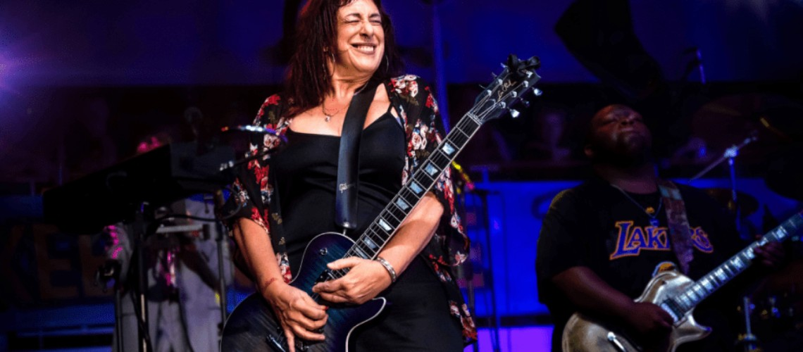 "Joanna Connor, Sobe ao Trono do Blues com ""4801 South Indiana Avenue"""