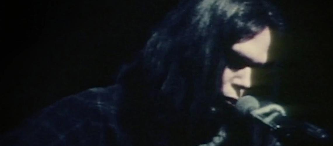 "Neil Young Anuncia Lançamento Do Filme-Concerto ""Young Shakespeare"""