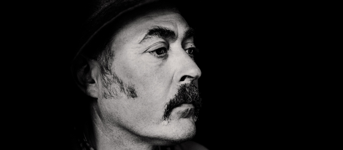 "Tindersticks: Ouve na íntegra ""Distractions"" [Streaming]"