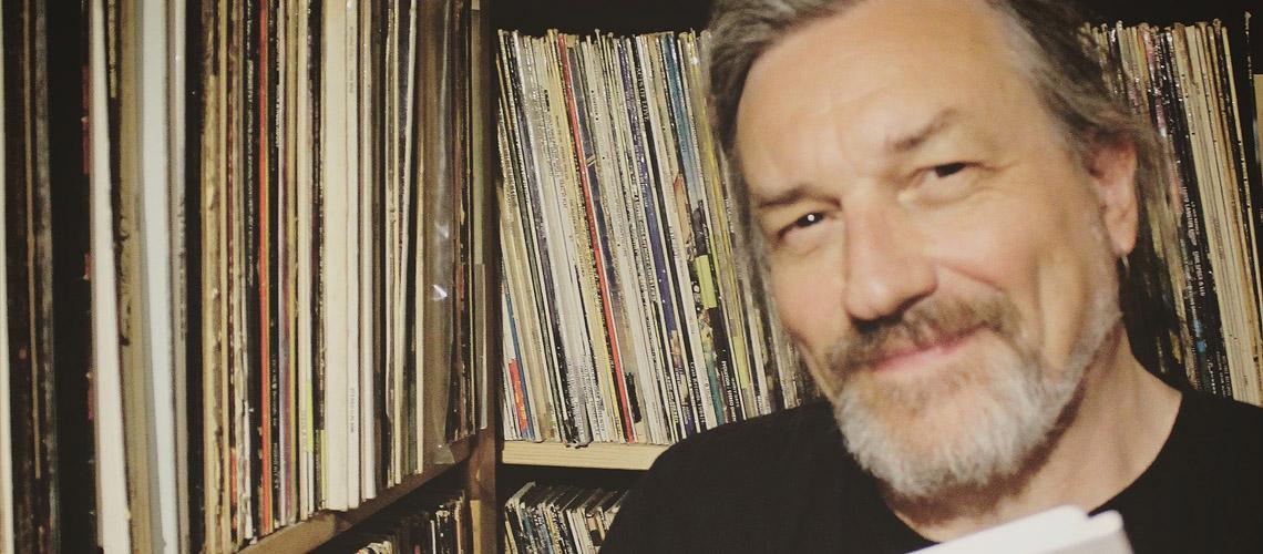 Ex-guitarrista dos The Church lança crowdfunding para trazer o seu arquivo musical para Portugal e abri-lo ao público
