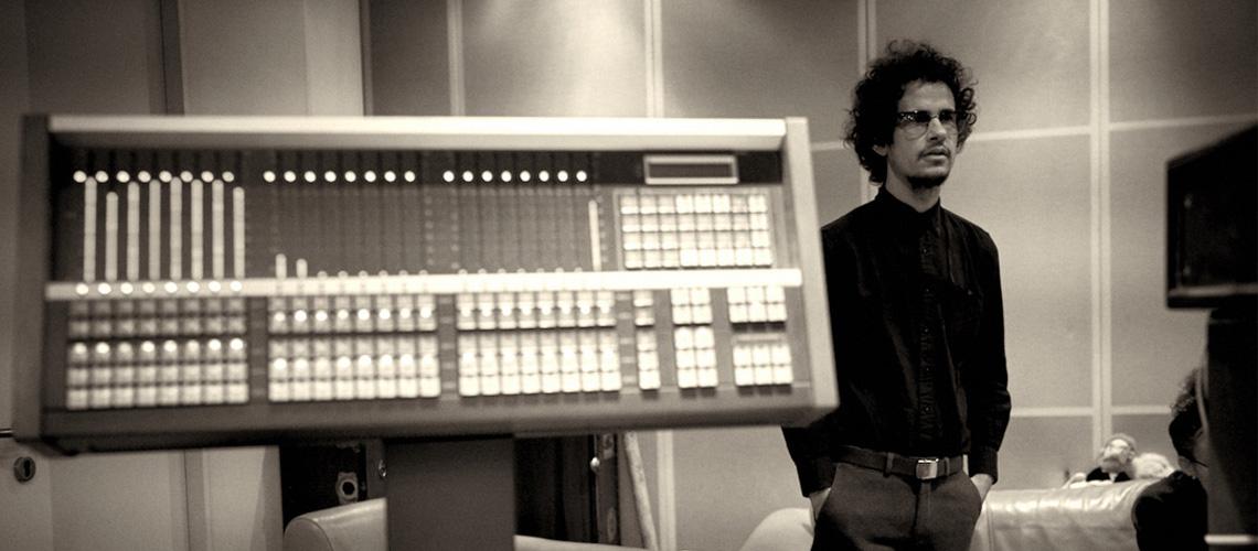Omar Rodríguez-López Enche Plataformas Digitais Com 62 Discos