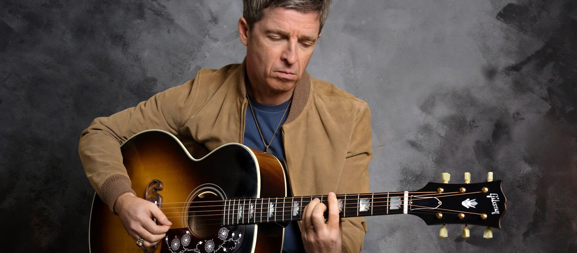 Eis a Noel Gallagher Gibson J-150 Acoustic