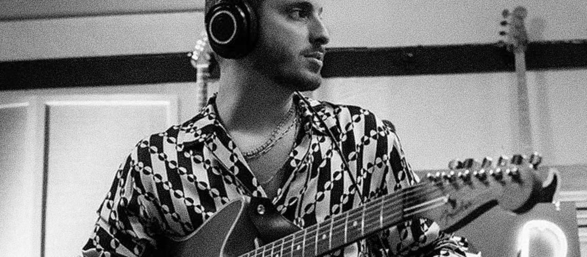 Fender, Um Dia em Estúdio com Andrew Watt