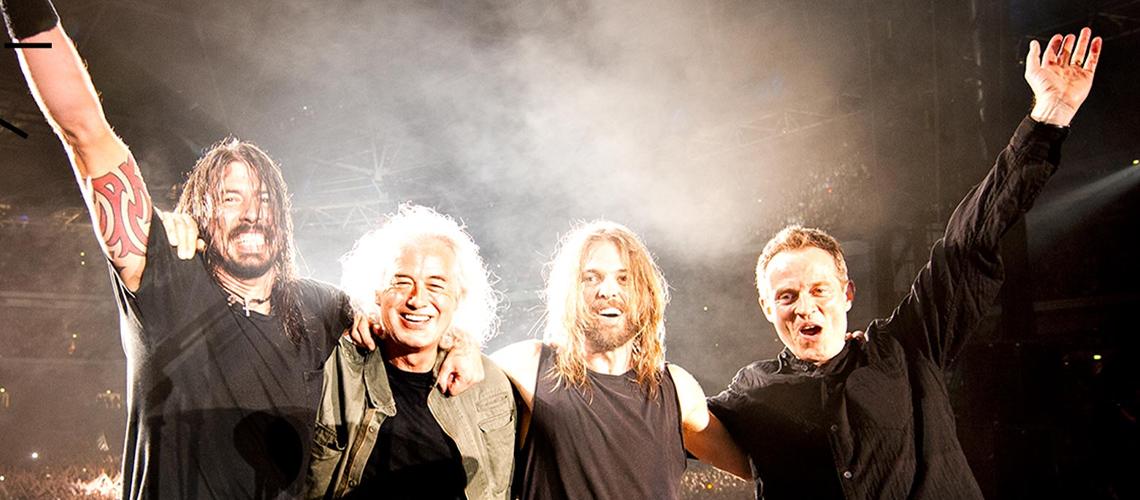 Jimmy Page Magoado com John Paul Jones e Dave Grohl