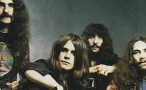 "Black Sabbath: Mini-Jogo Online ""Sabotage Deluxe Edition: Escape Room"""