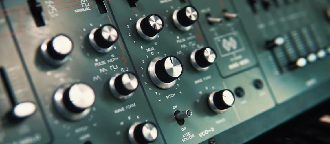 Behringer Surpreende com Protótipo de Clone do Roland SH-5