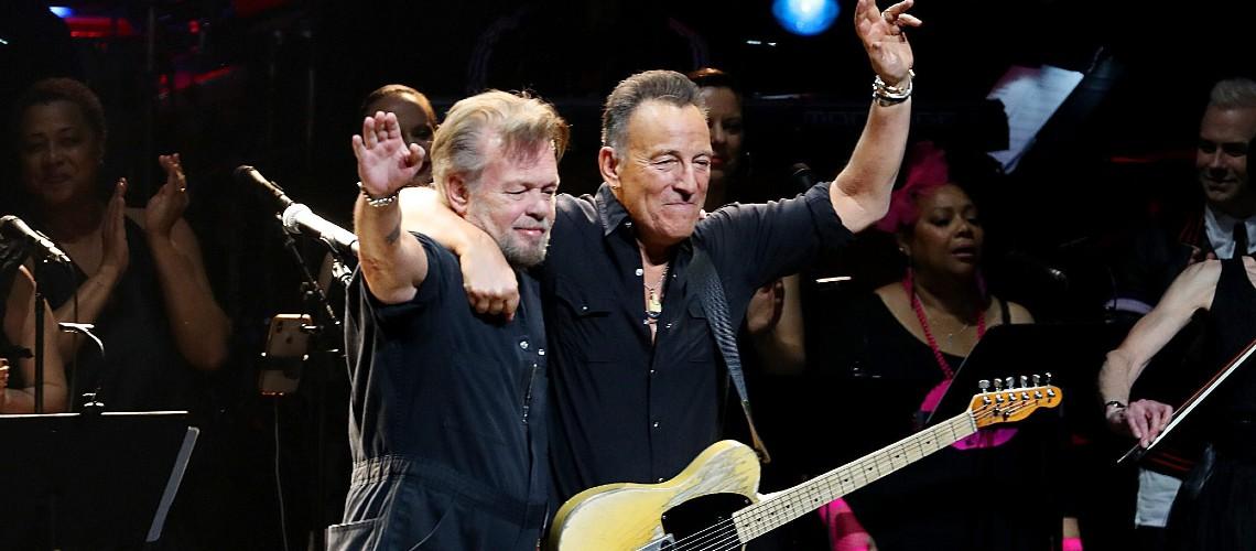"""Bruce Springsteen Junta-se a John Mellencamp em """"Wasted Days"""""""