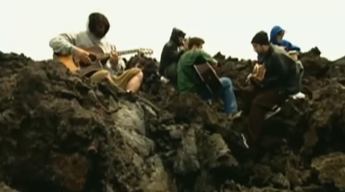 Máquina do Tempo: Deftones, Vulcão & Havai [2002]